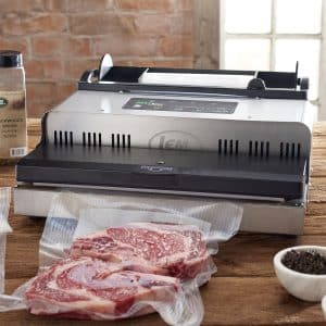 وکیوم کردن گوشت با دستگاه وکیوم رومیزی